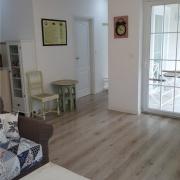 Apartment Agava Wohnzimmer&Blick zur Terasse