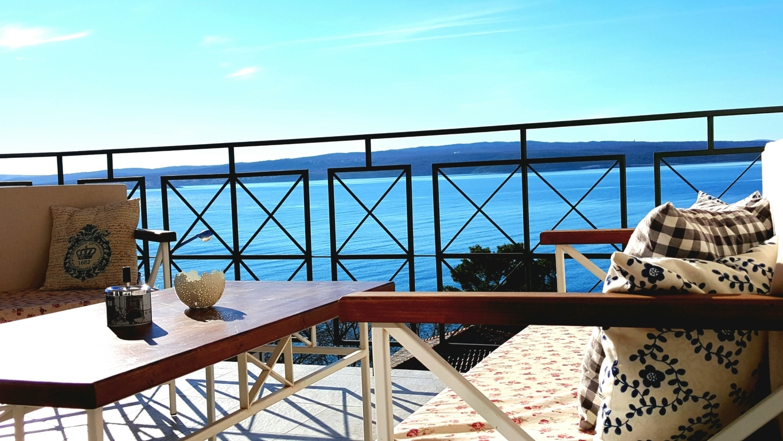 Superiorapartment Palamida Terrasse&Aussicht auf die Bootsanleger (Bojen) das eigene Boot ist sicher im Urlaub