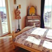 Deckenventilator,Klimaanlage,SatTV,Fruhstuck auf dem Zimmer,Bootsanlegeplatz alles in Crikvenica